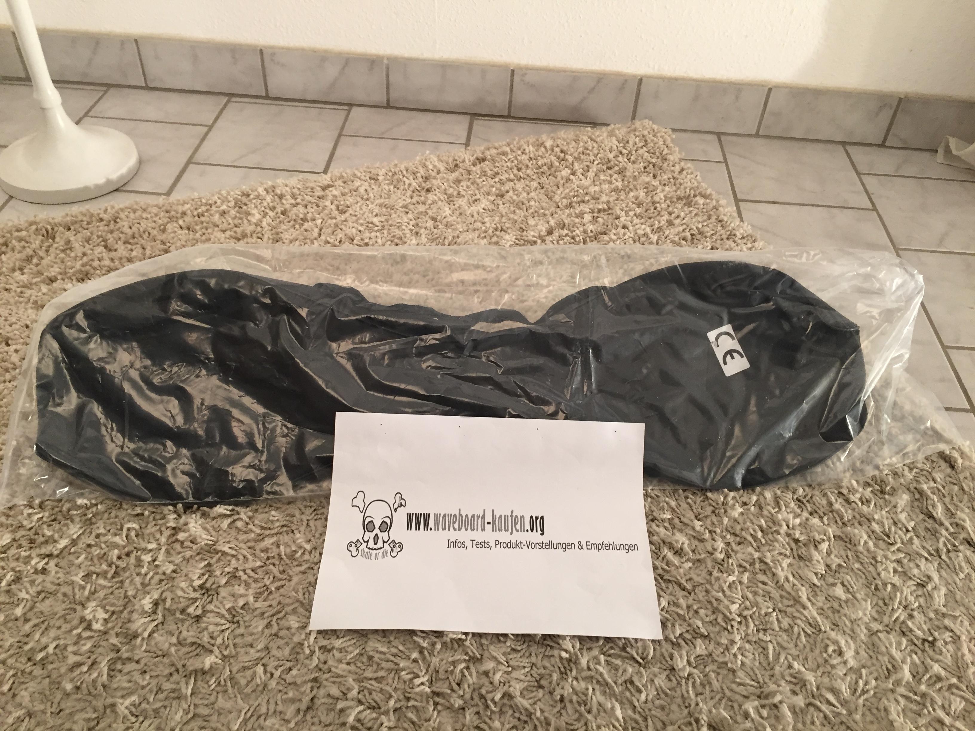 Das MAXOfit XL pro close eingepackt in der mitgelieferten Tragetasche und darum noch mal ein Zip-Beutel