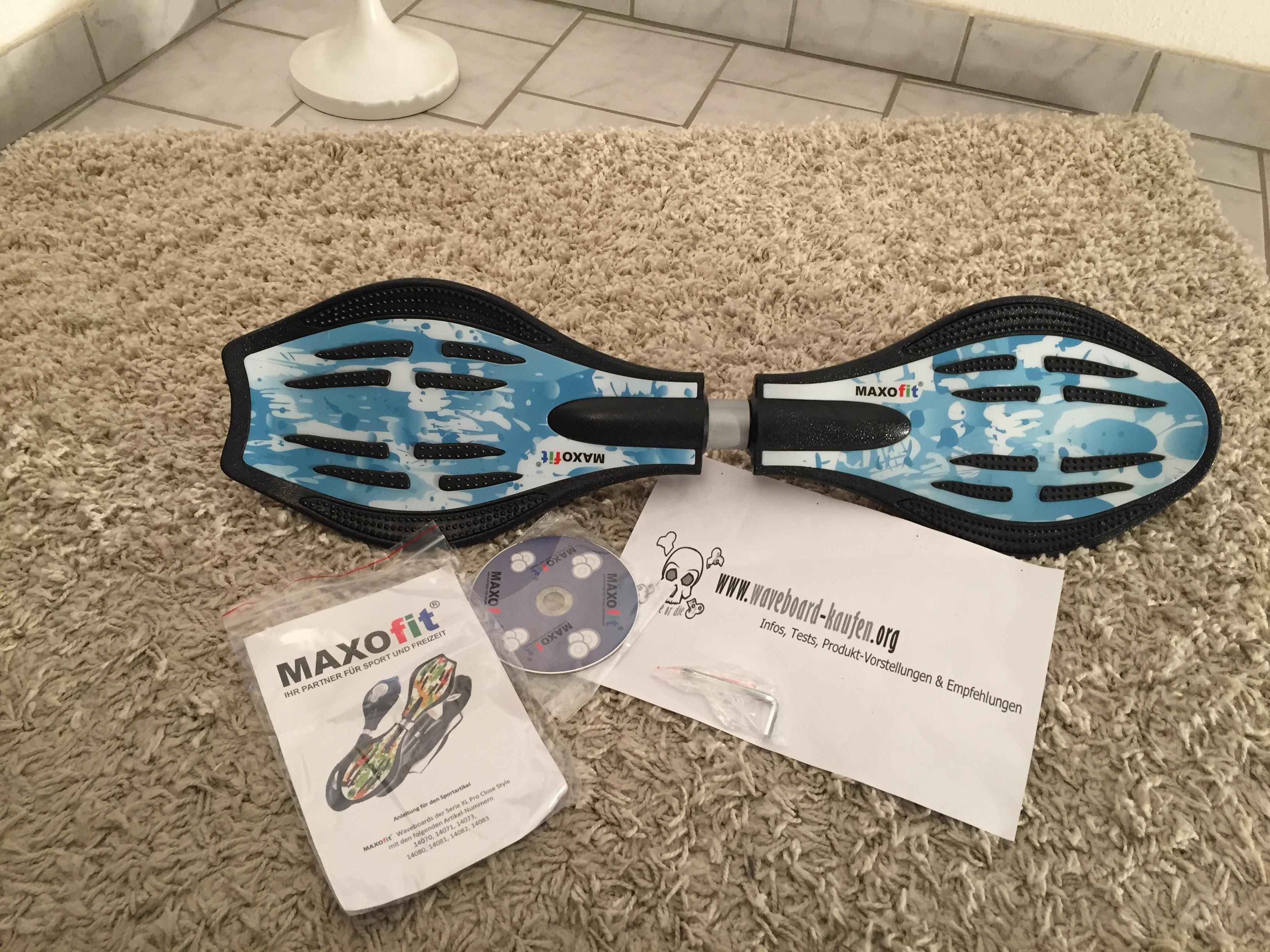 Das Maxofit pro close mini Casterboard von oben (Deckseite), Werkzeug, CD und Anleitung